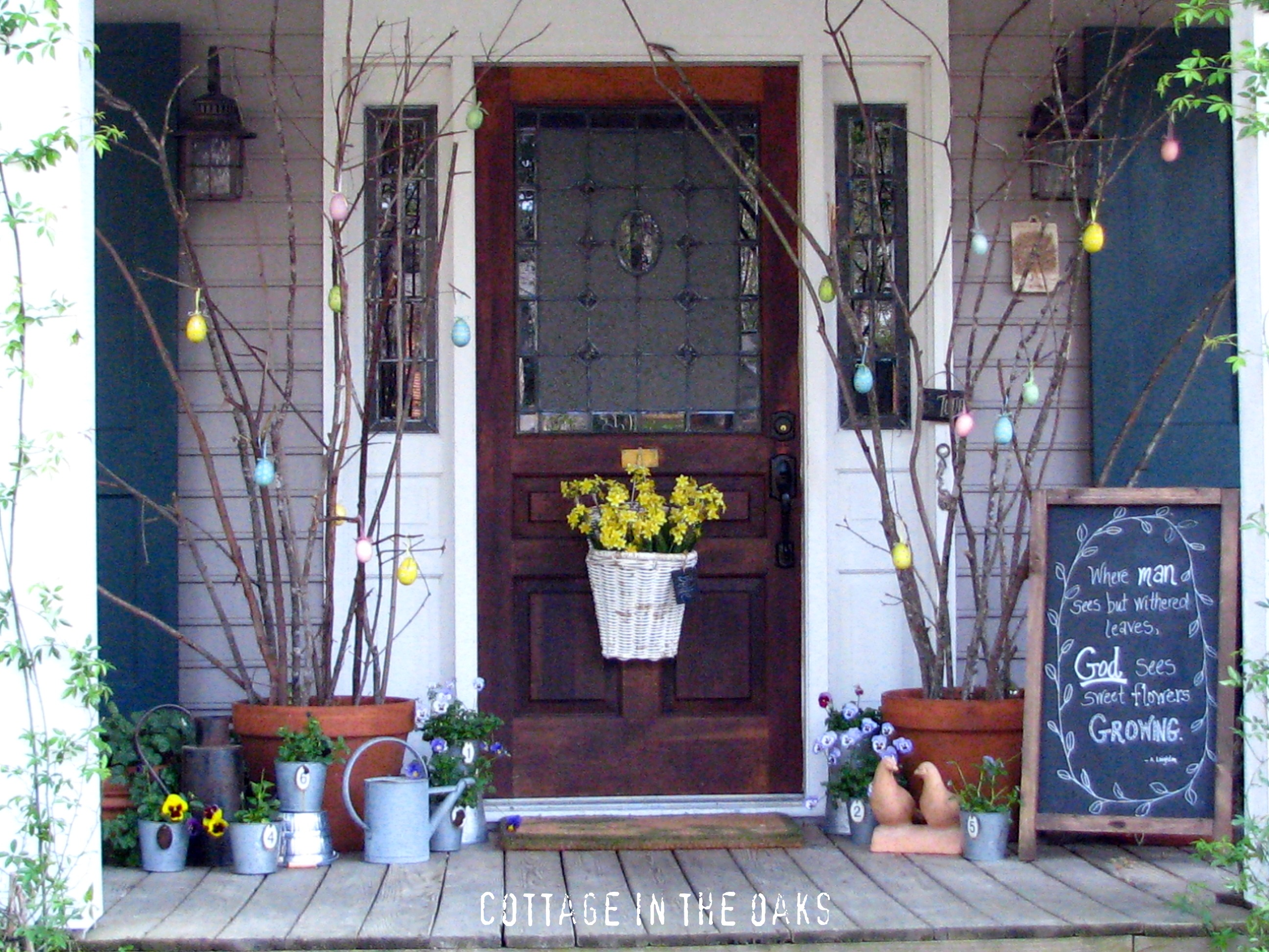 Spring front porch cottage in the oaks for Patio decoration images