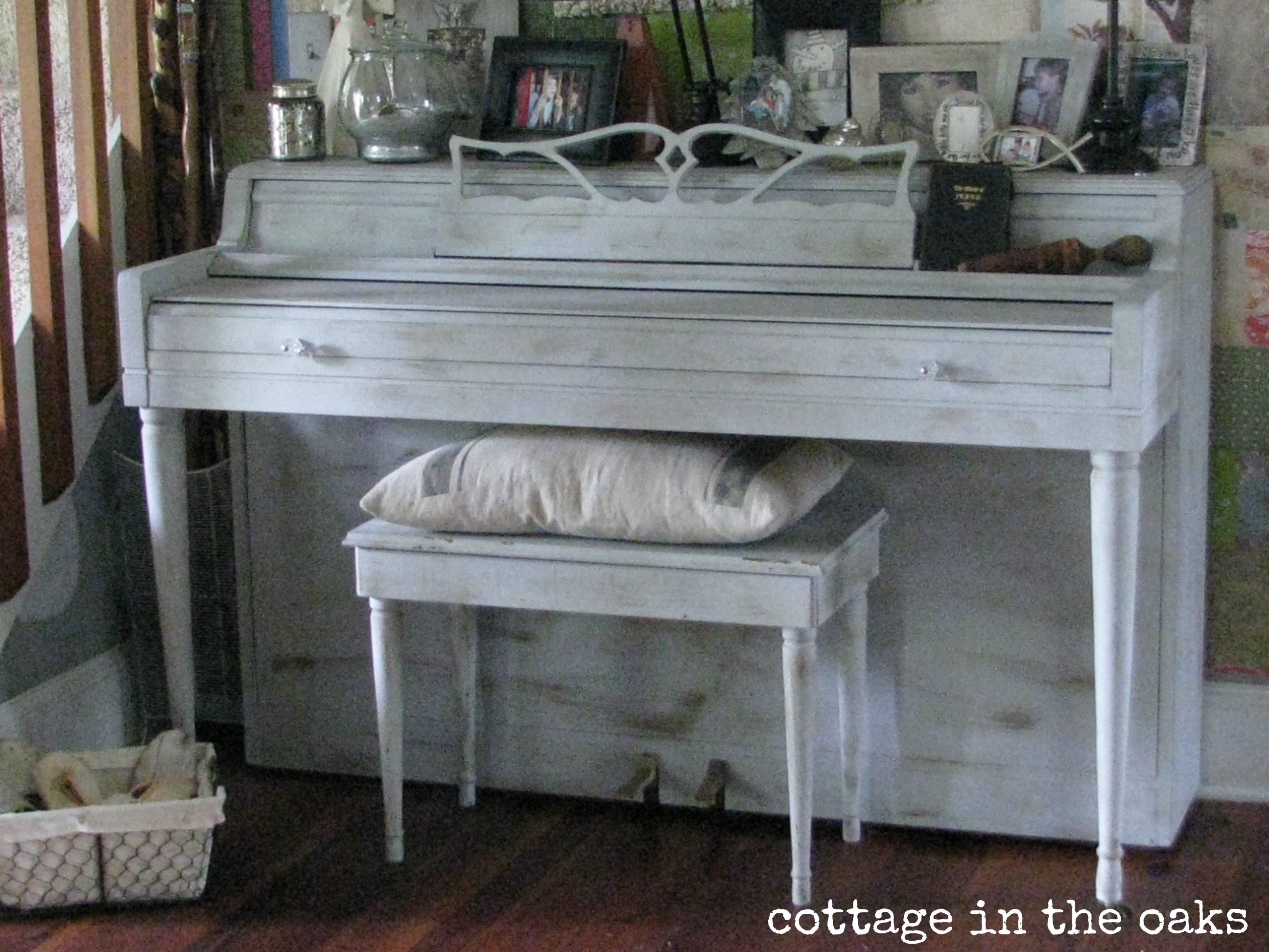 Painted Piano {Gasp!}..... - Cottage in the Oaks
