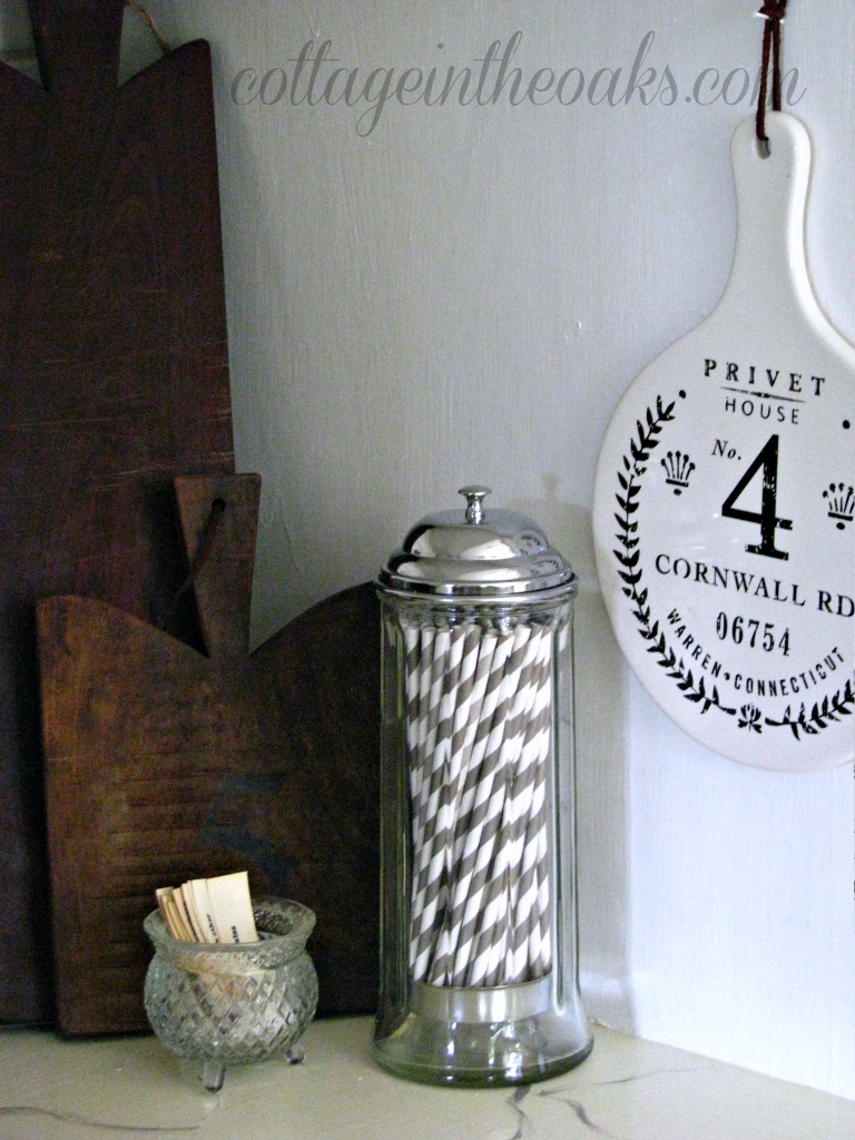 cottage kitchen vignette