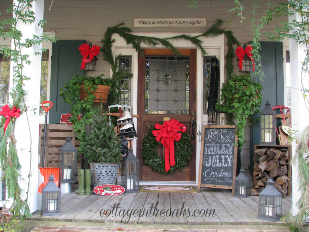 Christmas front porch 2012 cottage in the oaks Front veranda decorating ideas