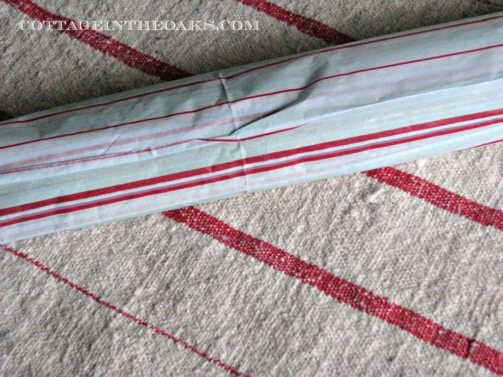 how to wrap a christmas cracker