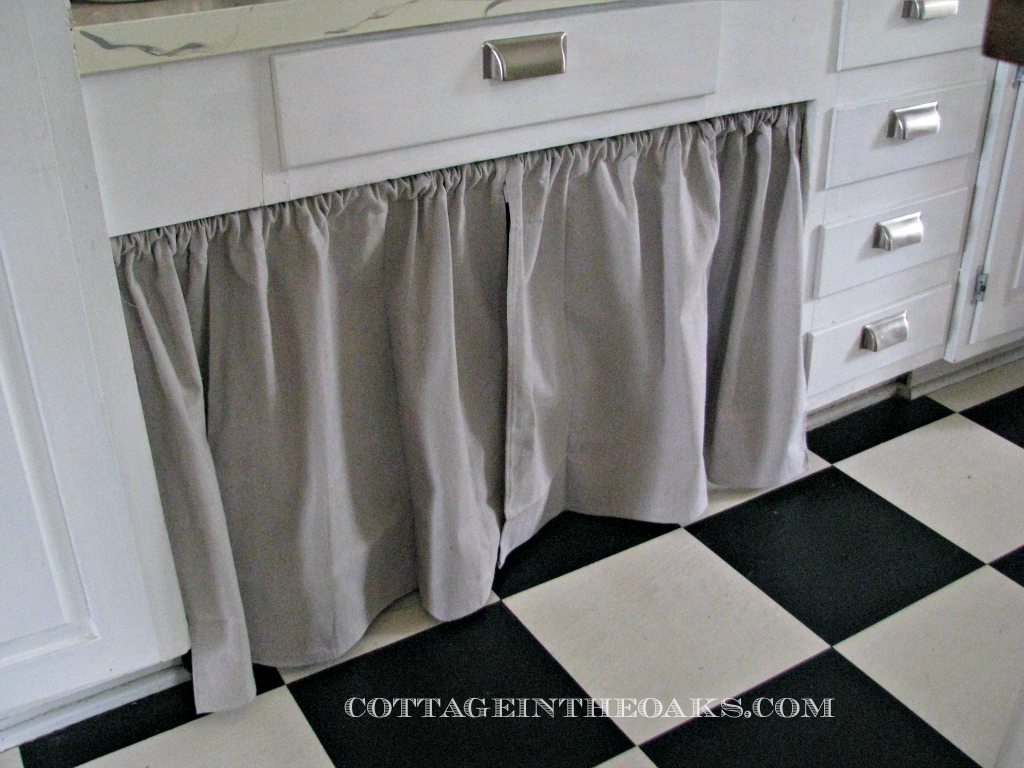 Kitchen on pinterest kitchen cabinets curtains and cabinet doors - Curtain for kitchen door ...